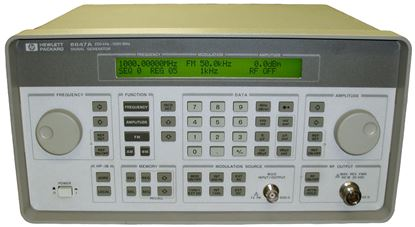 Picture of Agilent/HP 8647A 1 GHz Analog RF Signal Generator w option 1E5