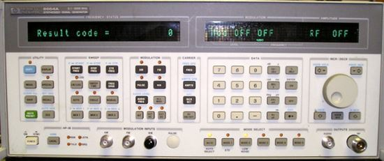 Picture of Agilent/HP 8664A opt 1/4 3 GHz High-Performance Signal Generator